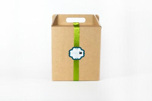 جعبه آجیل یلدا - بستهبندی شکیل حاوی آجیل شیرین یلدا