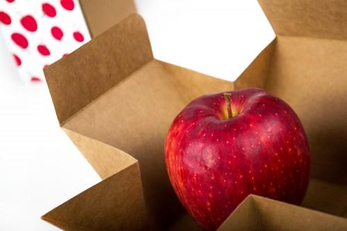 سرخی نوروز - سیب سفرهی هفتسین هدیهای به یادماندنی
